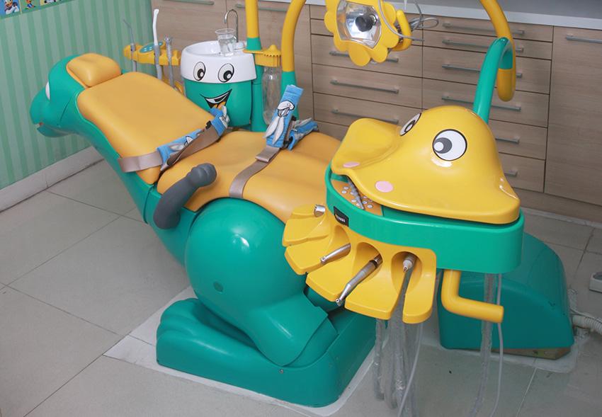 Kursi perawatan untuk anak-anak