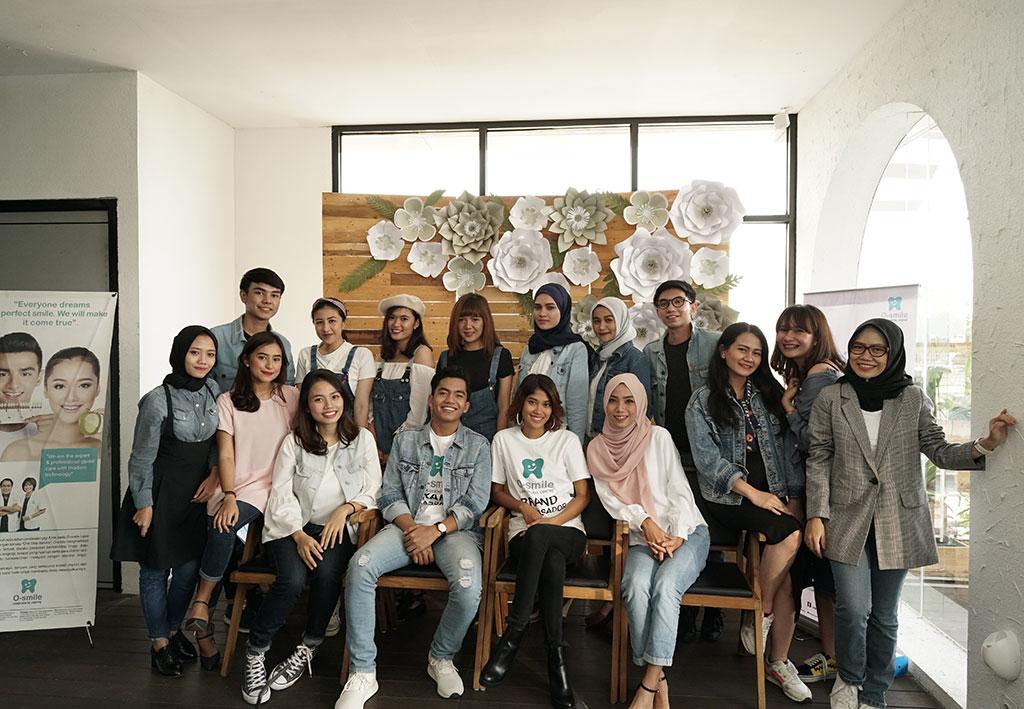 Foto Bersama Influencer dan Brand Ambassador O-smile 2018