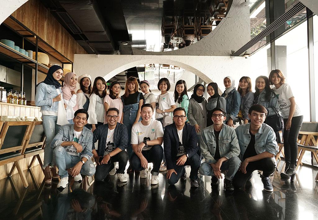 Foto Bersama Dokter O-smile dan para Influencer serta Brand Ambassador O-smile 2018